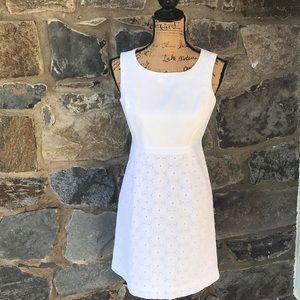 Vineyard Vine white Dress size 4